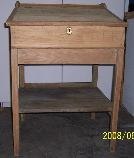 Old flip top school desk-000_0323.jpg
