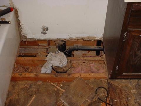 New Minnesota homeowner & found rotten bath subfloor...HELP!-003.jpg