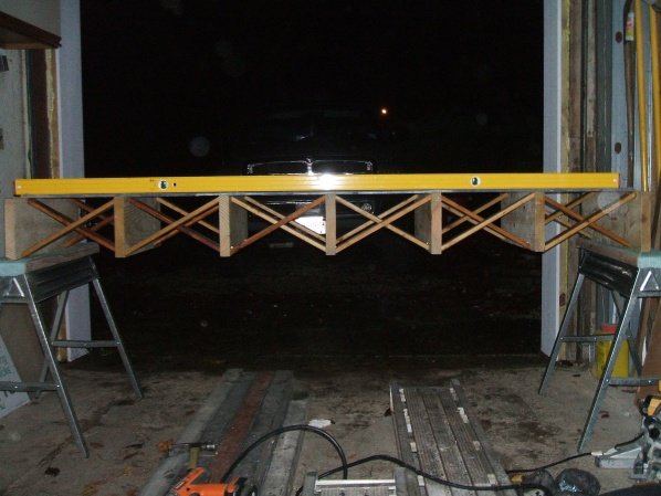 Strutting between floor joists-003.jpg