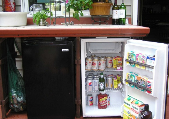 Outdoor cabinet and countertop-004.jpg-fridgev4.jpg
