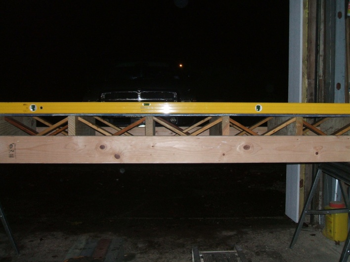 Strutting between floor joists-007.jpg