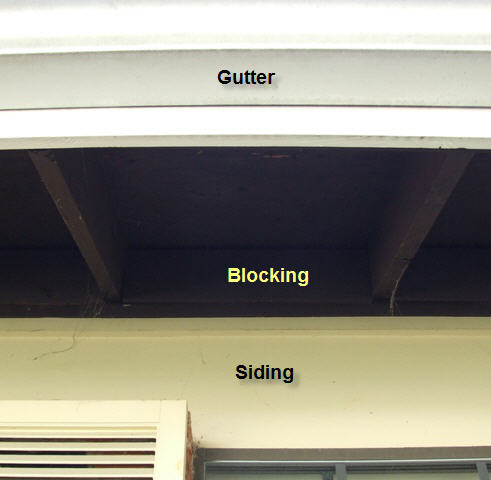 Retrofit attic baffles with blocking in open eaves-008.jpg