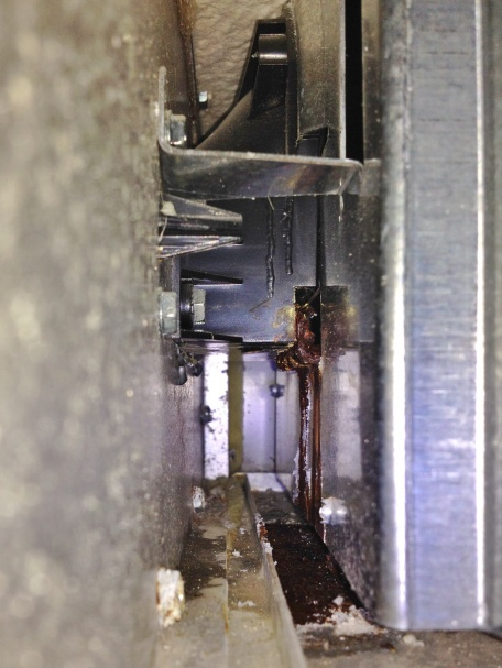 Trane xr90 leaking water from behind inducer!-017.jpg