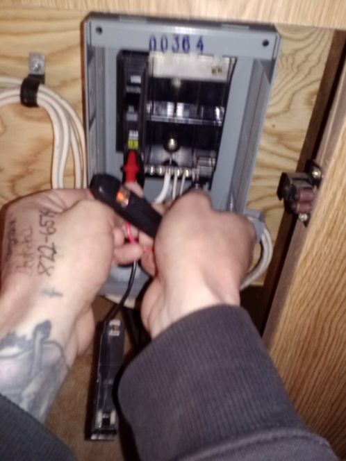 Trailer Trash Main Power Problems-0208131539a.jpg