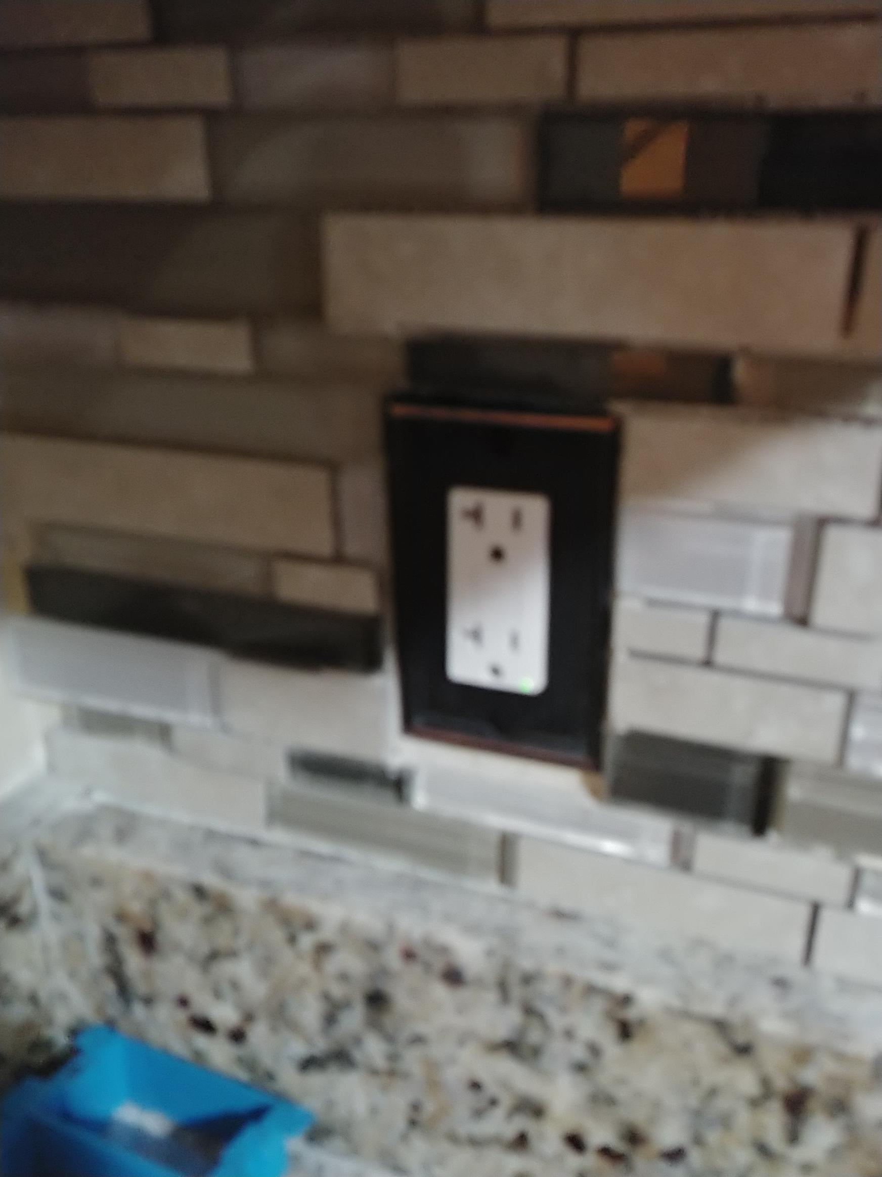 Any advice on cutting glass backsplash better?-0220191308_1550726210034.jpg