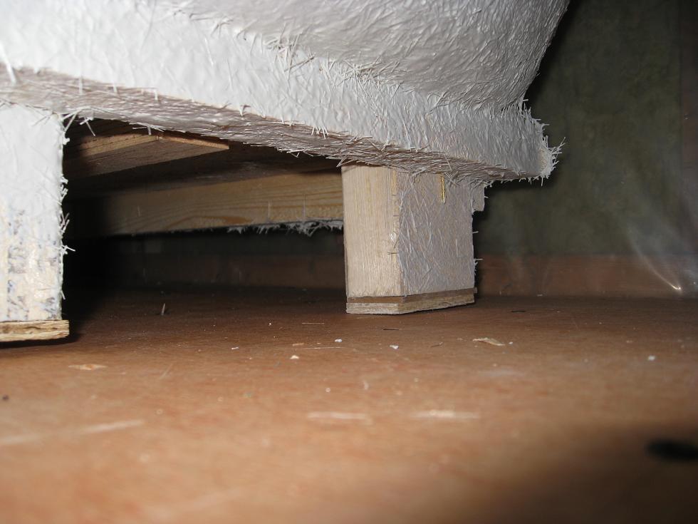 Stuck on Bathtub Installation-03-rear-end-wall-side-leg.jpg
