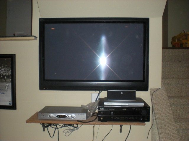 hiding wires for surround sound and cable-049-640x480-.jpg