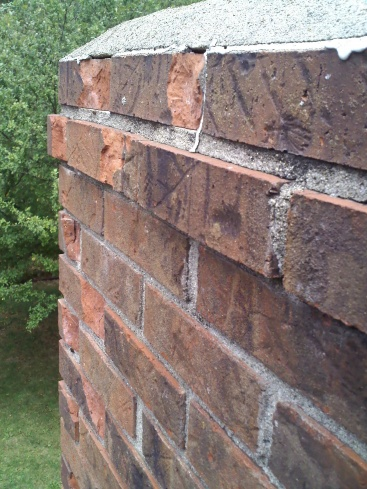 How serious is this Chimney stack brick problem (pics)?-0807091416a.jpg