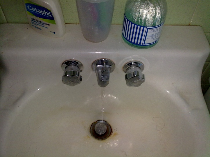 Help with odd shaped faucet-09052009161.jpg
