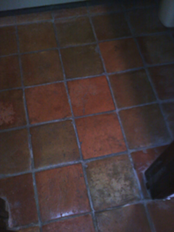 help!  why do the tiles in my bathroom crack?-0907091817.jpg