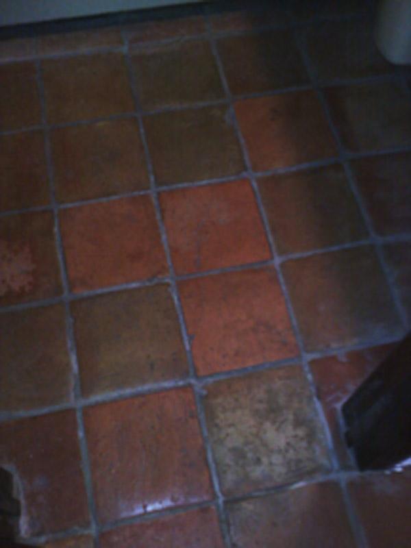 help!  why do the tiles in my bathroom crack?-0907091817.jpg