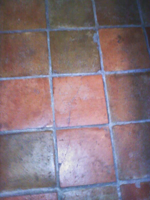 help!  why do the tiles in my bathroom crack?-0907091817a.jpg