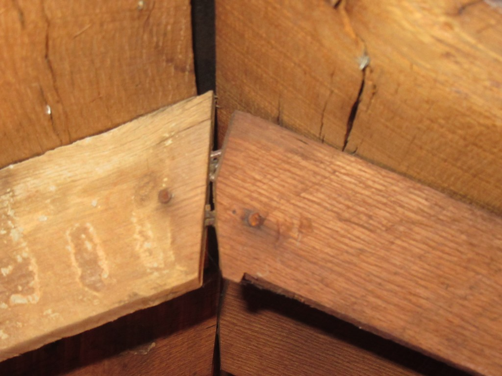 Old roof issues, structural problems, oak planks ect-099.jpg