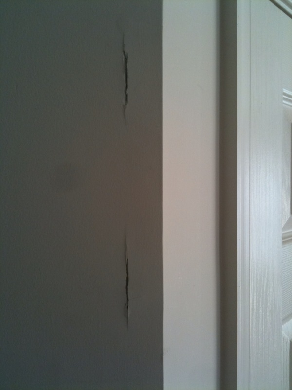 Cracked drywall at joint near door?-1.jpg