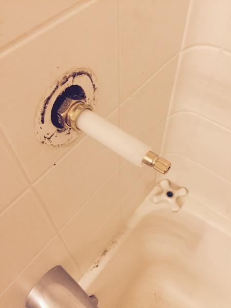 Shower knobs have metal pipe-1.jpg