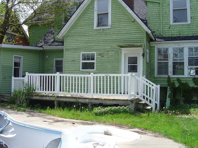 Cedar shake house-1.jpg