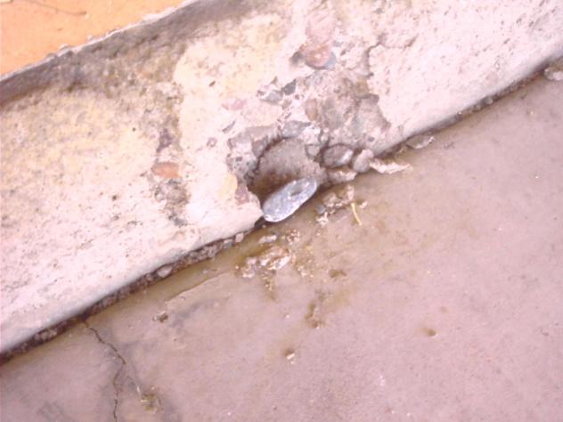 Crumbling stem wall-1003091334a.jpg