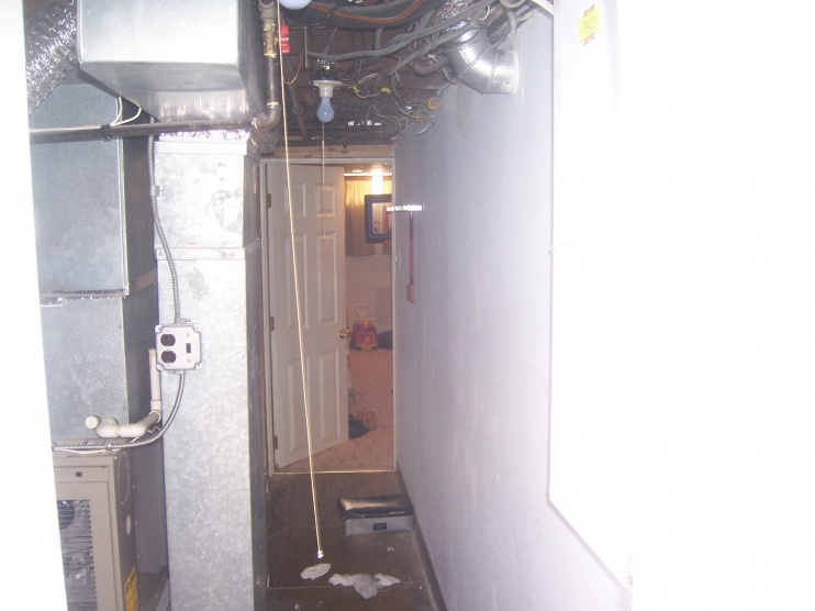 Newbie looking for any help and info that I can get on adding this bathroom....-100_0197.jpg
