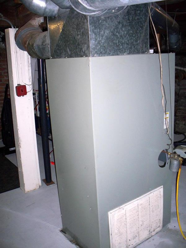 Air intake/return on an oil furnace-100_0575.jpg