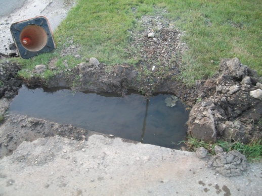 overflow from drain pipe - please help!-100_0893.jpg