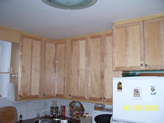 Installing Cabinets In Un Level Kitchen 100_1322