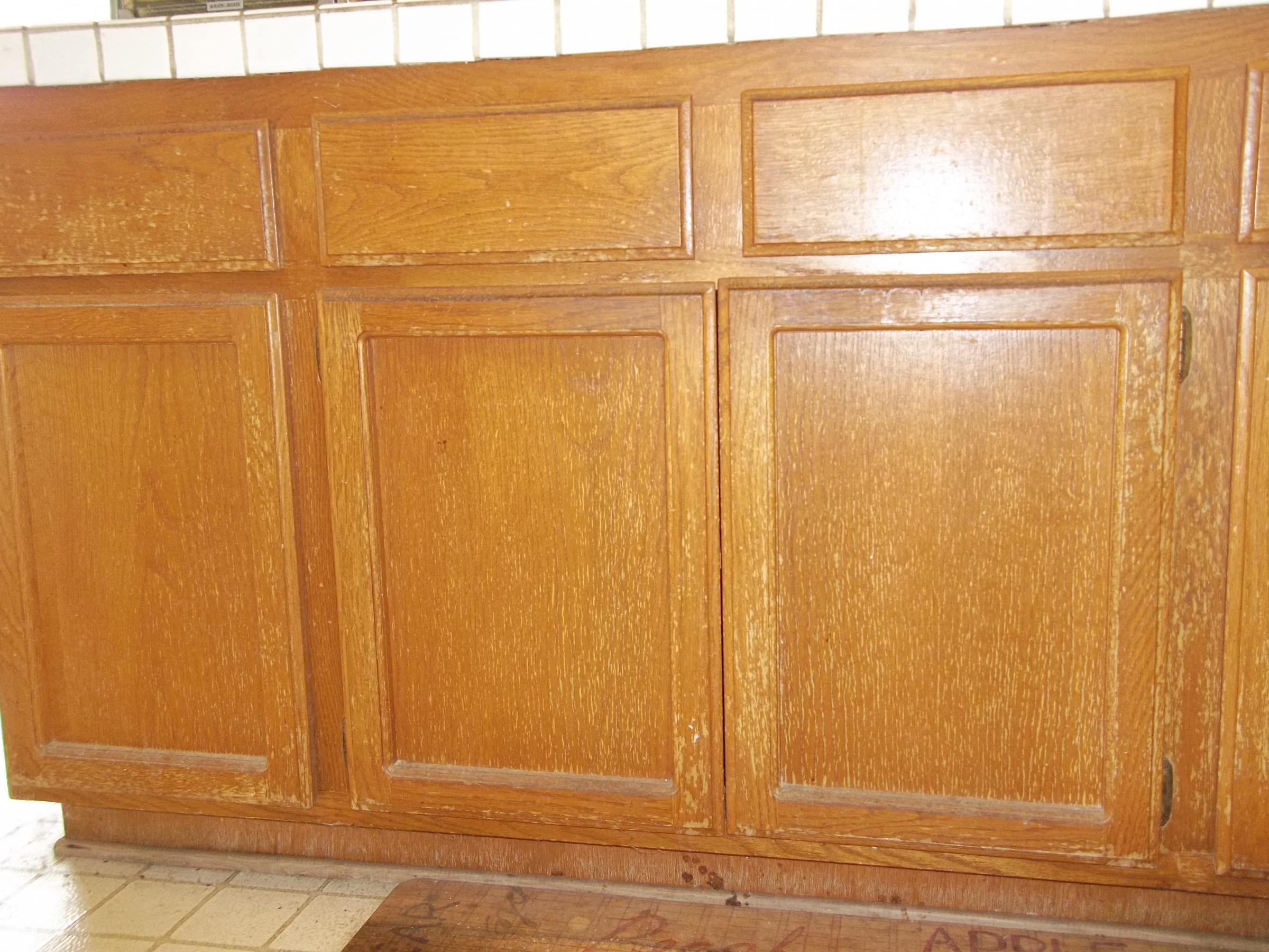 Color Matching Kitchen Cabinet Stain ? - Painting - DIY ...