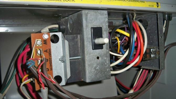 HEIL 5000 Furnace Problem-100_1715.jpg