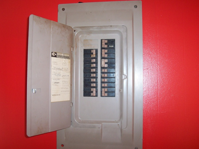 How to decipher the codes on a breaker?-100_1878.jpg