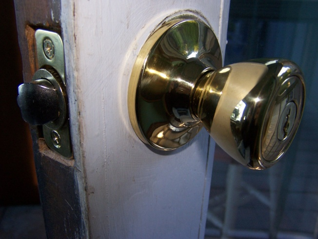 Problem with new entry lock-100_2749.jpg