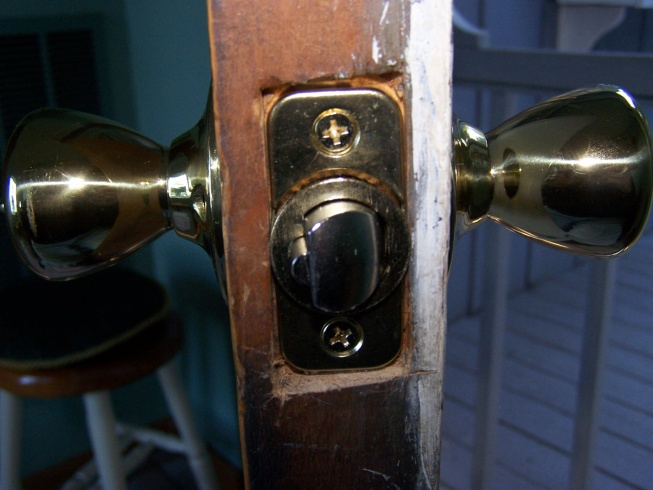 Problem with new entry lock-100_2750.jpg