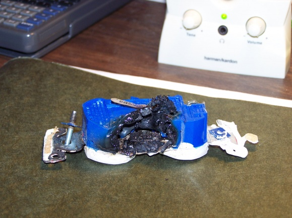 Charred / melted wall receptacle, AL wiring in house-100_3262.jpg