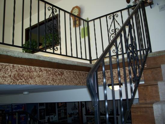 Oak hand rail on existing iron stair railing-100_6679.jpg