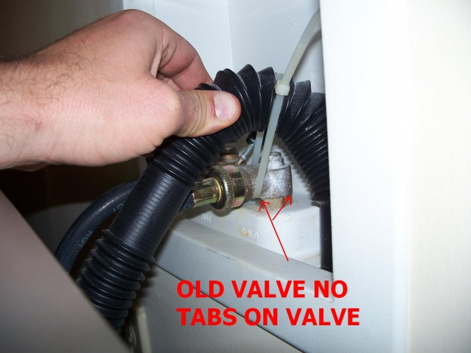 Leaking Oatey washing Machine Shutoff Valve-100_7298.jpg