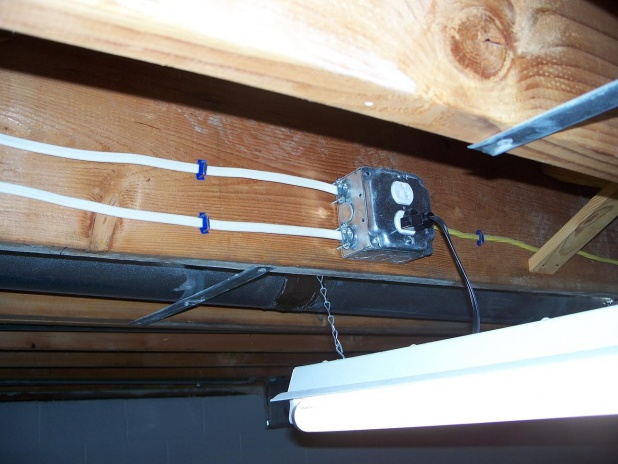 Plugging fixture into light socket?-100_8019.jpg