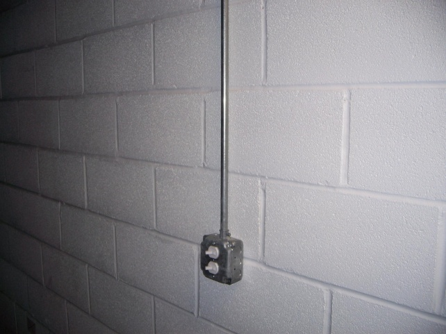 Outlets Mounted On Concrete Walls 100 8313