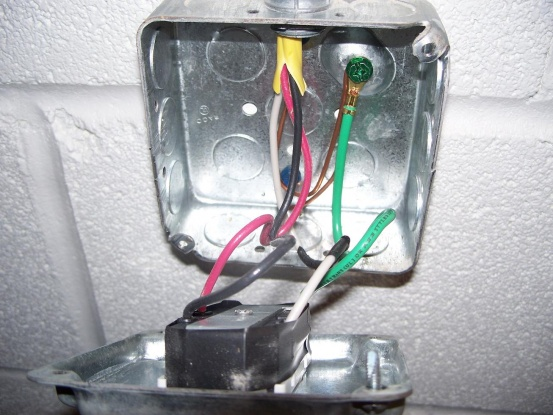 Grounding Metal Boxes and Outlets - Confused by Something Simple-100_8316.jpg