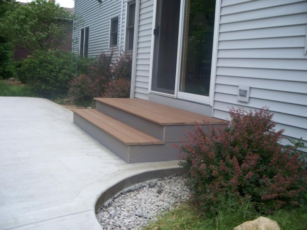 3 Questions about building stairs out of back door-100_8524.jpg