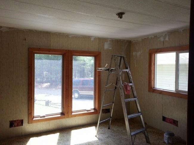 inexpensive redo of bedroom in mobile home-10413412_10205035605353798_7865977811180255572_n.jpg