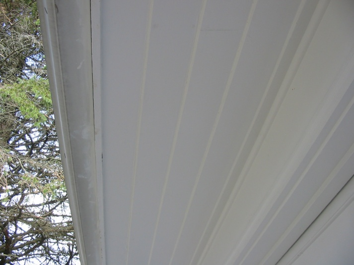 Which direction to run soffit?-106-0621_img.jpg