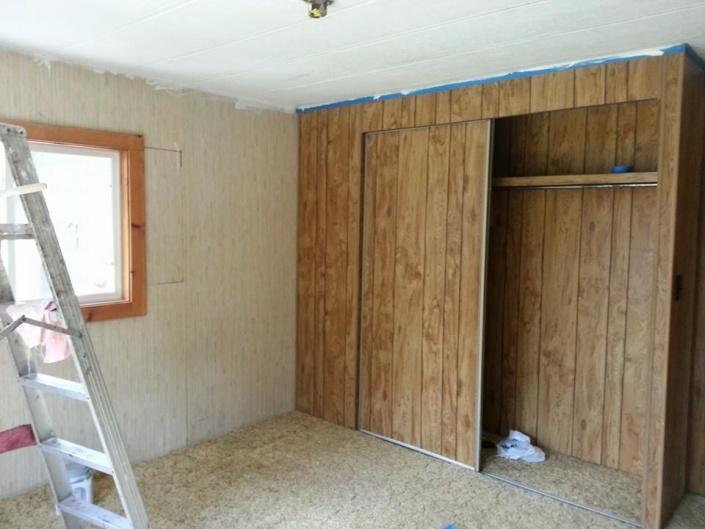 inexpensive redo of bedroom in mobile home-10712697_10205035605793809_6285493555002218542_n.jpg