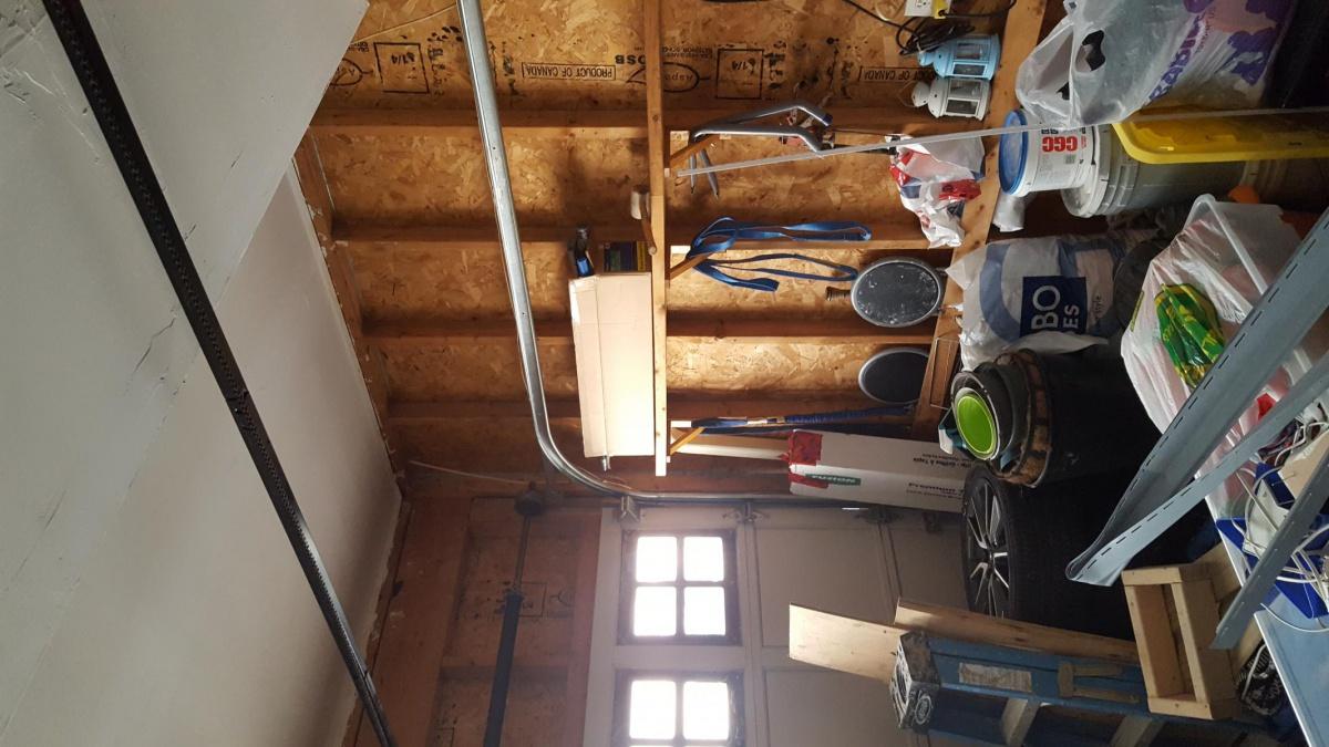 Garage too cool-15142221299381295423079_1514222162273.jpg