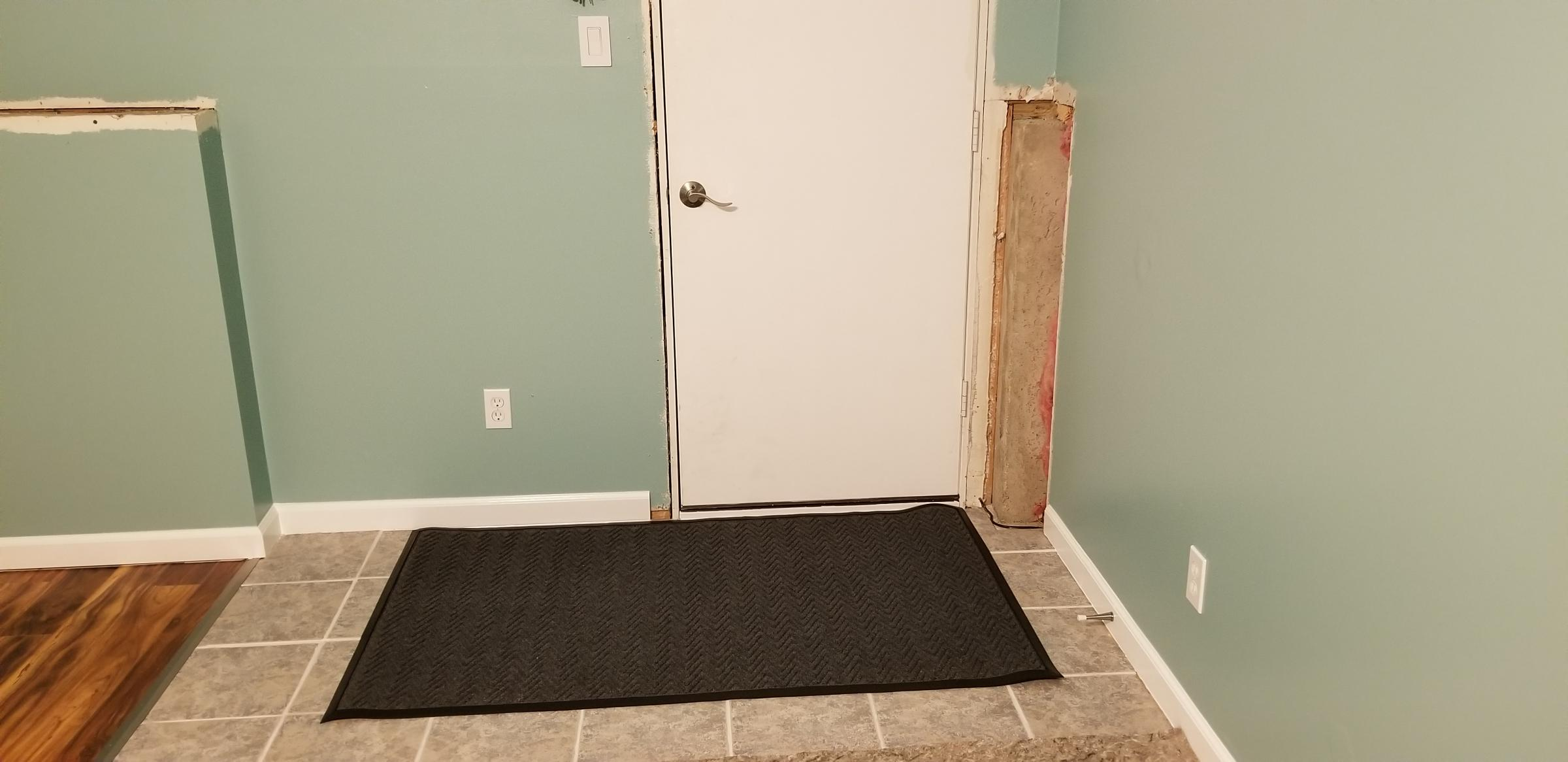 Covering this exposed corner an easy way?-15713092947584681364369632818832_1571309317613.jpg