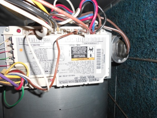 38700d1316973535 air conditioner not starting help needed 2 air conditioner not starting help needed hvac diy chatroom White Rodgers 50A50-241 Control Board at gsmportal.co