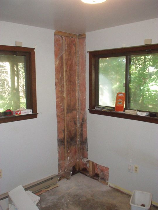 Replacing a corner post, Reinforcing the wall?-2006.08.august-sw-corner-001.reduced.jpg