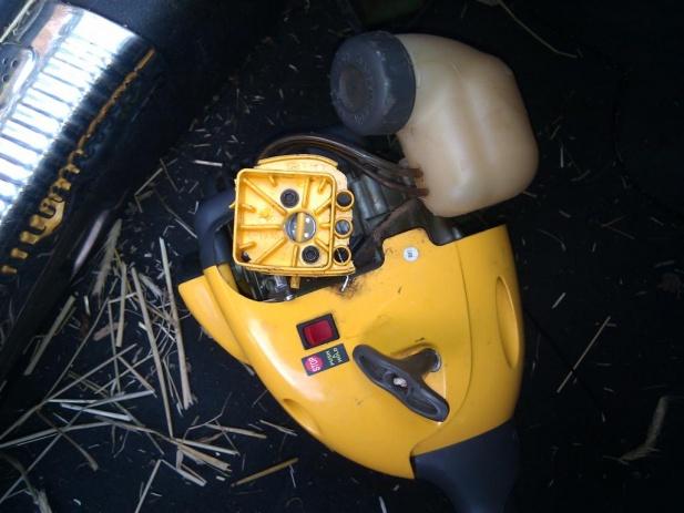 Weed eater repairs - carburator-2010-05-27-14.42.53-large-.jpg