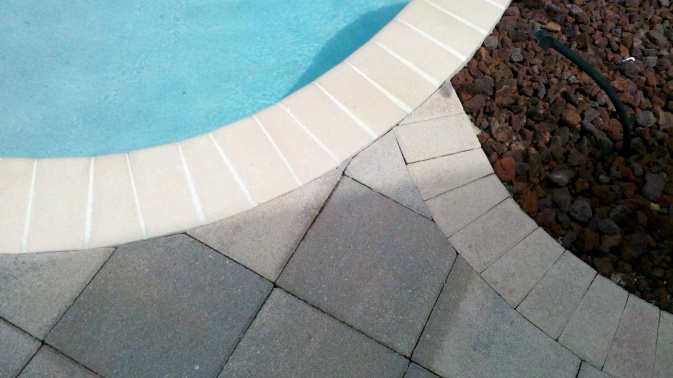 Can Anyone Tell Me What Color These Pavers Are?-2011-09-21_12-35-22_99.jpg