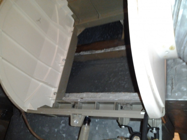 Open studs and insulation in duct behind honeywell humidfier filter-2011-10-04-20.08.26.jpg