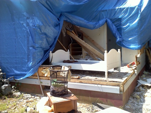 Tornado Damaged House-20110525153418.jpg