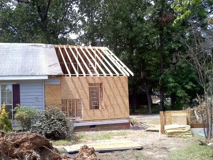 Tornado Damaged House-20110528151345.jpg