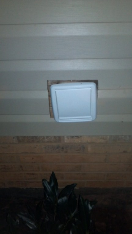 Gap between vent fan exit and the siding....-2012-03-25_20-57-07_221-1024x768-.jpg